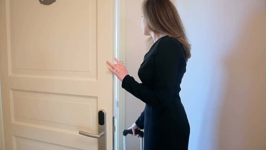 escort knock